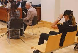 Detenido un hombre que la emprendió a bastonazos con su mujer.