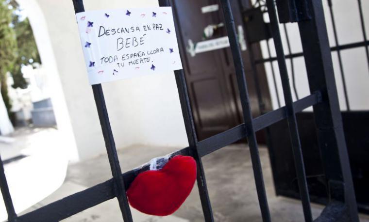 Seis años de cárcel por degollar a su bebé en un cementerio al grito de 'Satán ven a por mí'