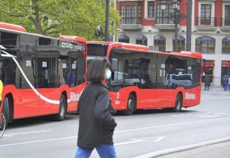 Una docena de autobuses de Bilbobus utilizarán durante cuatro meses un combustible cero emisiones netas