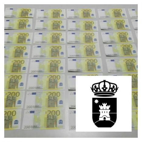 Tres detenidos en Roquetas de Mar por tráfico de billetes falsos