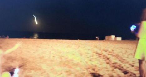 Una gran bola de fuego ha sido vista en el litoral catalán