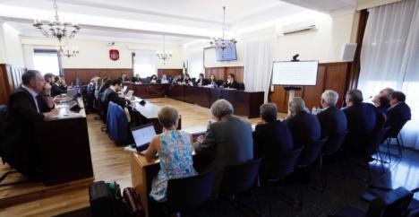 Los fiscales Anticorrupción de Sevilla hacen frente común y denuncian ante el fiscal jefe a la juez Nuñez Bolaños que instruye el caso ERE