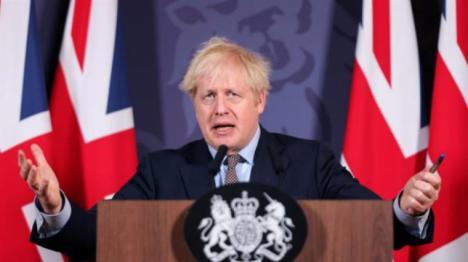 Inglaterra confinada esta medianoche tras el récord de contagios de la tercera ola