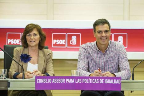Pedro Sánchez por boca de Carmen Calvo no apoya a Susana Díaz como candidata en Andalucía