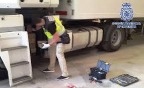 La policía investiga el robo a punta de pistola de un camión en la Carretera del Mamí