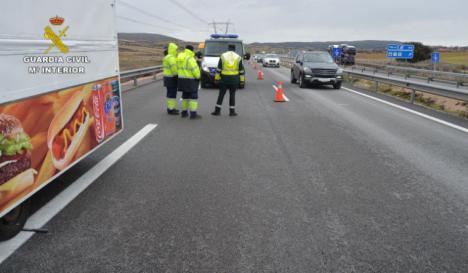 El camionero que atropelló a un hombre cuando cambiaba una rueda y se dio a la fuga ha sido detenido