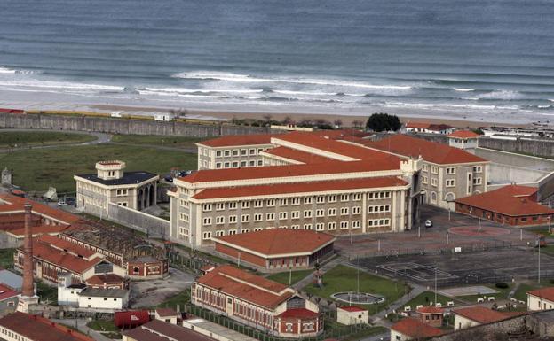 ¿Cómo llegó a Senegal el preso evadido del penal del Dueso?