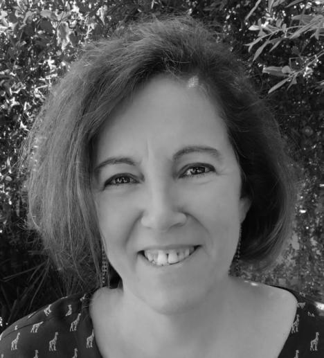 Carme Oliver Riera presenta su nuevo título: 'La Lluminosa. L' illa dels Vents', dedicada a todas aquellas mujeres que no han sido libres para elegir su camino
