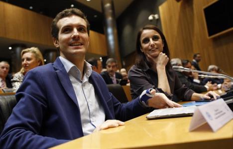 Daniel Lacalle, fichaje estrella y gurú económico del PP dice adiós Casado en el Congreso.