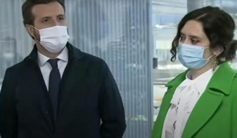 La tensión se masca en Génova, Casado no sabe como frenar el auge de Ayuso