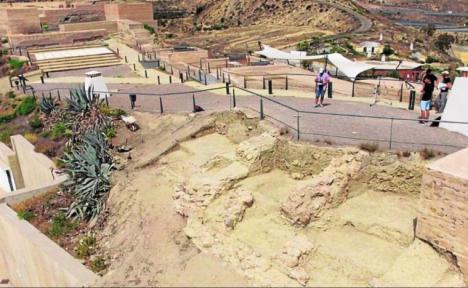 Los trabajos de restauración en el Castillo de Nogalte sacan a la luz espacios habitacionales y parte de la muralla perimetral del siglo XII