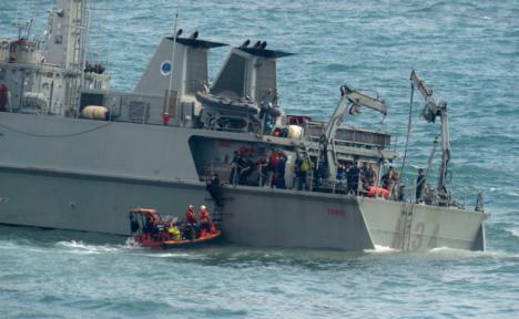 """La Armada continúa realizando las labores necesarias para la recuperación de la operatividad del buque cazaminas """"Turia"""""""