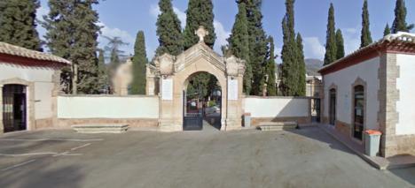 Los cementerios lorquinos de San Clemente y San Cristóbal permanecen cerrados a visitas como medida de prevención ante el Coronavirus