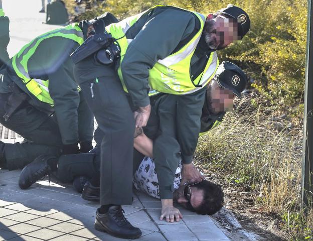 Dos detenidos en Chiva despues de robar y provocar un accidente