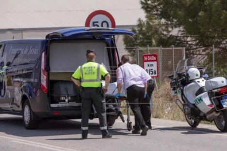 Muere un ciclista que ha sido atropellado esta mañana por un autobús en Nijar