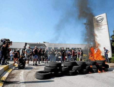 Los trabajadores de Nissan, no quieren a Vox en sus protestas:'Vox no nos representa, viene por las cámaras'