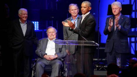 Los cinco expresidentes norteamericanos vivos, se unen por una buena causa