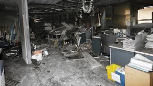 Colapso en los juzgados de Valencia , tras el incendio en la Ciudad de la Justicia