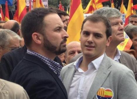 Ciudadanos se quita la careta y acude a la reunión con Vox en Murcia para negociar junto al PP la investidura de López Miras