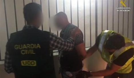 8 kilos de cocaína ocultos en maletas y dos detenidos