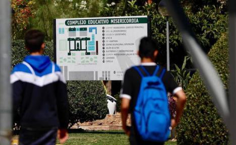 Un alumno acuchilla a su profesora en Valencia
