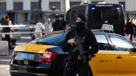 Ya hay nombre. La policía busca a Brahim Lmidi, un conductor de autobus