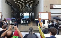 Cataluña, tomada por la Guardia Civil y por la Policía Nacional.
