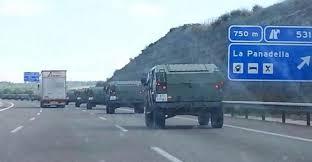 Defensa envia un convoy con material al destacamento de Sant Boi por si Policía y Guardia Civil lo necesitan.