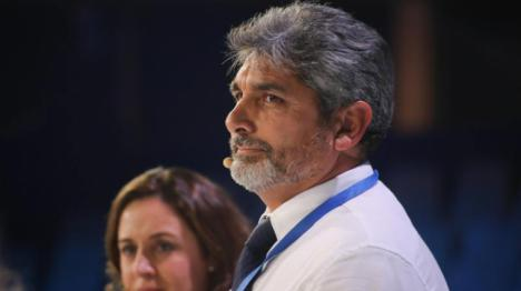 Cortés, el que acusa a Pedro Sánchez de sentarse a la mesa con asesinos, criminales, violadores y pederastas no quiere que los medios recuerden su detención por un tiroteo