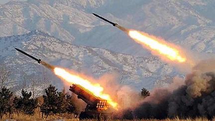 Siguen las provocaciones de Corea del Norte al lanzar un proyectil no identificado hacia el mar de Japón