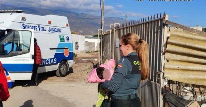 Así vivían cuatro niños en un cortijo de Almería: sin luz, entre suciedad y huesos de animales