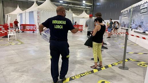 El Ayuntamiento de Lorca agradece la gran respuesta de los jóvenes y lamenta la falta de previsión de medios por parte del Gobierno Regional que ha dado lugar a largas esperas durante el cribado masivo