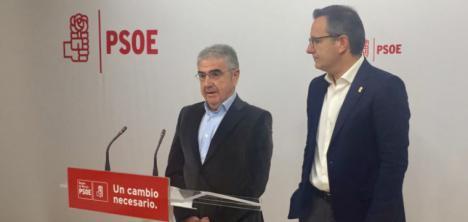 El PSOE de Murcia denuncia la manipulación de las consejerías de Educación e Igualdad, que desprecian la autonomía de los centros educativos