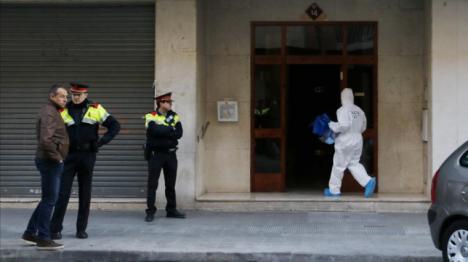 Los Mossos investigan la muerte de una adolescente de 13 años degollada en un piso de Mataró
