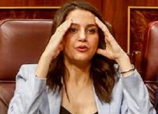 Arrimadas ' monta el polllo' con Garicano y los críticos a Rivera en el congreso de Ciudadanos