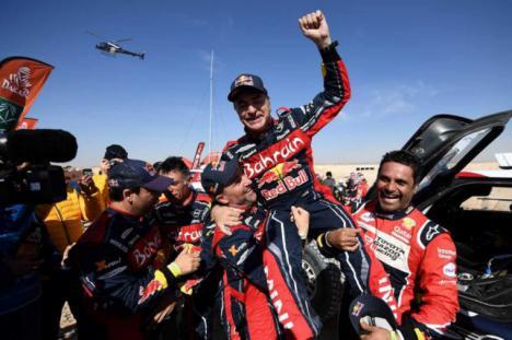 Carlos Sainz hace historia a sus 57 años ganando su tercer Dakar