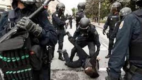 Detenidos tres okupas por tirar a un hombre desde un tercer piso en Fuerteventura después de agredirle y robarle