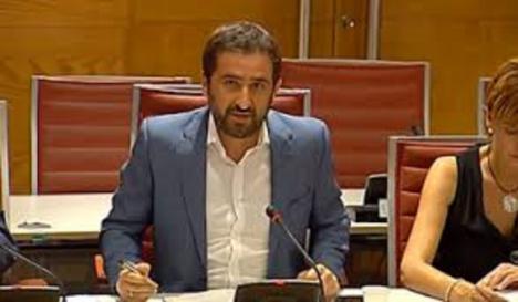 """Juan Luis Soto: """"Bernabé usa el Holocausto como arma política, como usó las porras contra los vecinos de Murcia, sin ninguna vergüenza"""""""