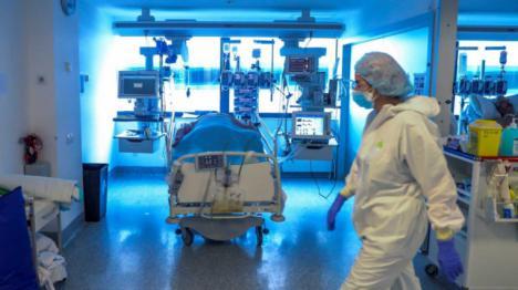 Los sanitarios madrileños preocupados: En los hospitales el 17% de las camas son ocupadas por enfermos con Covid