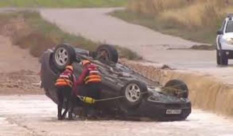 Dos hermanos de Albacete mueren al ser arrastrado su coche por las lluvias
