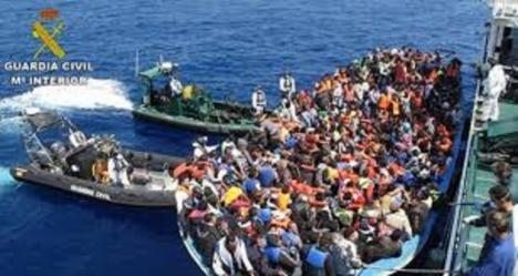 Guardia Civil, Salvamento Marítimo y patrulleras de Frontex interceptan trece pateras y rescatan a 143 inmigrantes