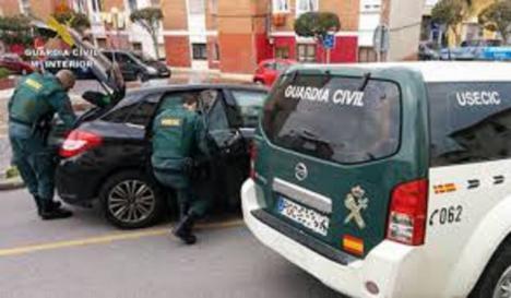Una madre estrangula a su hijo de siete años en Almería y lo abandona en su coche antes de intentar huir