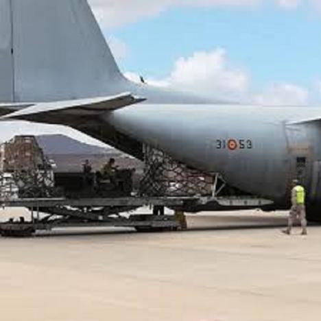 Un avión del Ejército del Aire ha llegado a Madrid con 14 toneladas de material sanitario