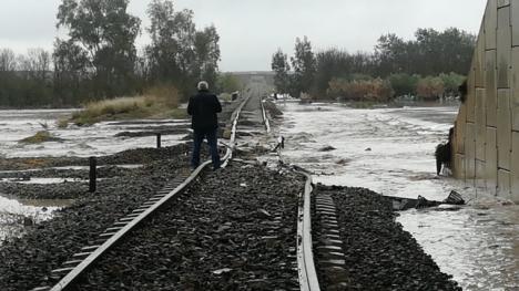 Descarrila un tren cerca de Arahal (Sevilla) por las fuertes lluvias