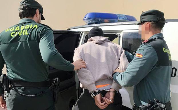 En prisión tras raptar a su hijo