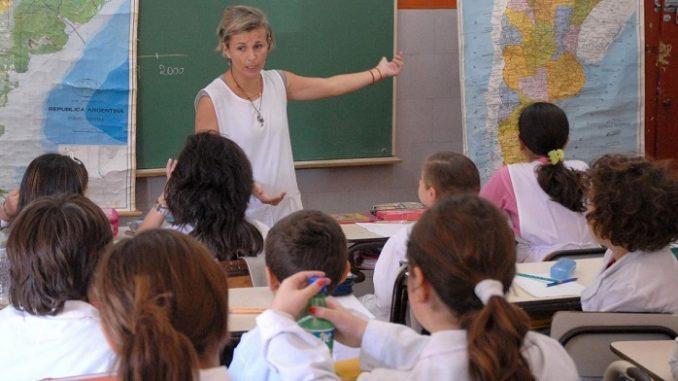 CSIF rechaza la incorporación presencial de cerca de 3.000 profesionales a los centros educativos de la provincia para tareas administrativas que pueden hacerse on line