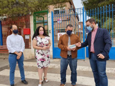 El Ayuntamiento de Lorca entrega mascarillas a todos los centros educativos del municipio garantizando el acceso a uso a todos los alumnos y alumnas