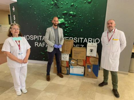 El Ayuntamiento de Lorca hace entrega de diferente material sanitario para los profesionales del Hospital
