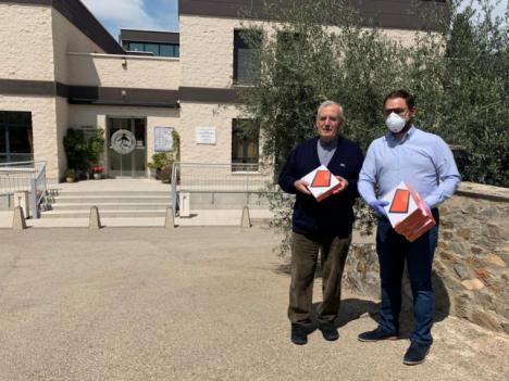 El Ayuntamiento lorquino entrega tablets a Apandis y Asprodes para permitir la conexión digital de sus usuarios con sus familias