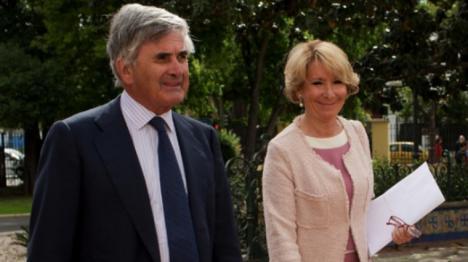 Esperanza Aguirre ingresada junto a su esposo Fernando Ramírez del Haro en un hospital público tras dar positivo por coronavirus